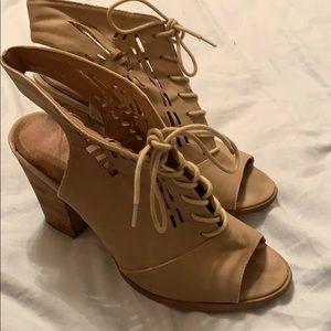 tie up sandal heels.